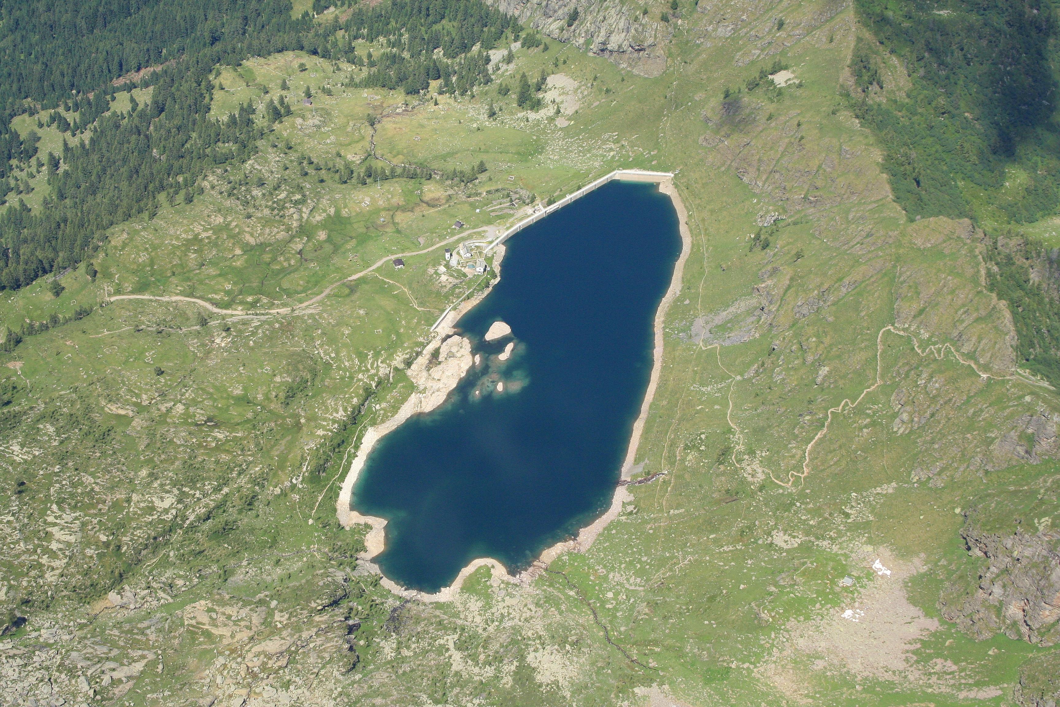 manual on small earth dams